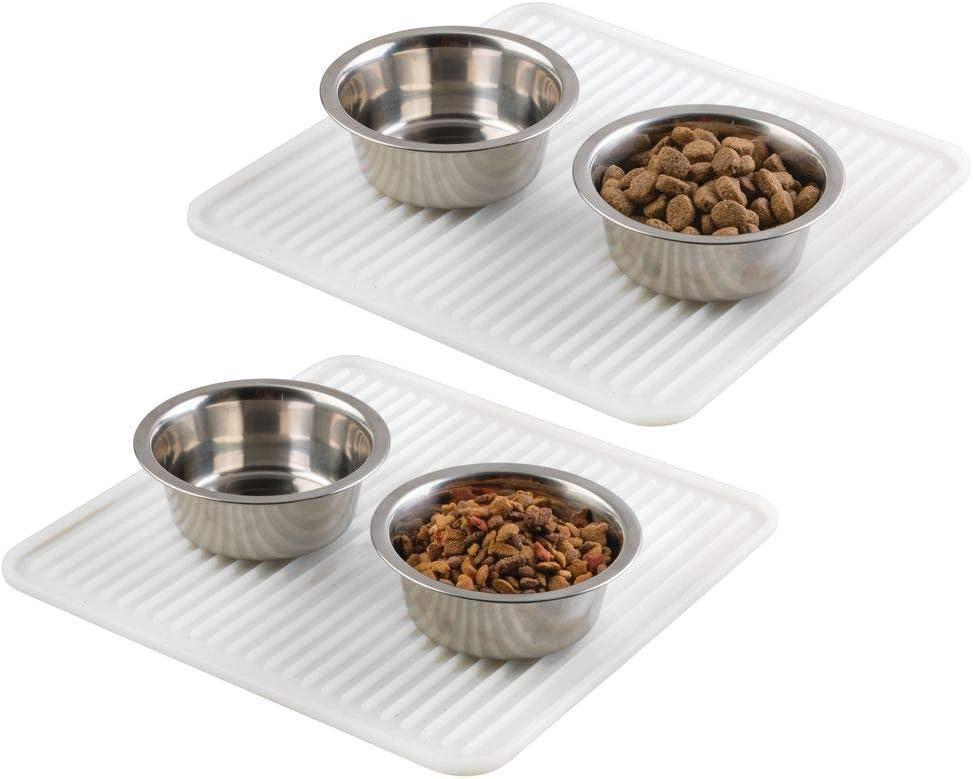 mDesign Juego de 2 tapetes de silicona para comederos de mascotas – Pequeñas alfombras antideslizantes para proteger el suelo – Higiénicos manteles de silicona para perros y gatos – transparente