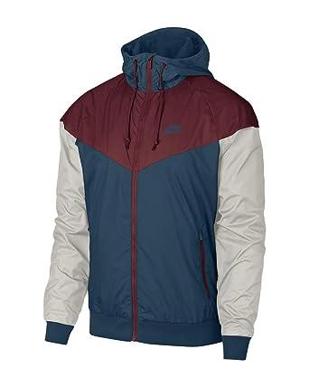 009bddf463b4d Amazon.com: Nike Men's Sportswear Windrunner Jacket: Clothing