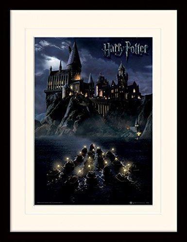 1art1 101614 Harry Potter - Die Hogwarts-Schule Für Hexerei Und Zauberei Gerahmtes Poster Für Fans Und Sammler 40 x 30 cm