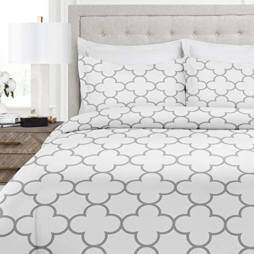 Italian Luxury Clover Pattern Duvet Cover Set - 3-Piece Ultra Soft Double Brushed Microfiber Printed Cover with Shams - Twin/TwinXL - White/Light Gray