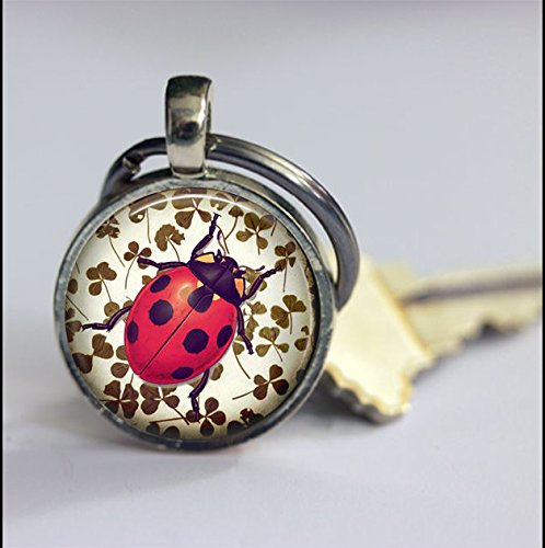 Keychain Vintage Luckiness Ladybug Keychain,Vintage Good Luck Art Pendant Key Chain,Handmade Keychain,Vintage Jewelry,Fashion Jewelry for Women Or Men (Ladybugs Luck Good)