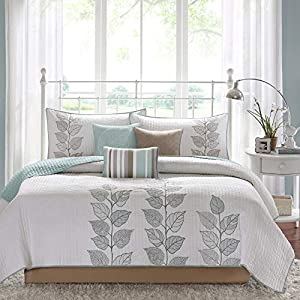 51YyN484V4L._SS300_ Coastal Bedding Sets & Beach Bedding Sets