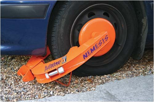 Nemesis wheel clamp, parking claw, tyre claw, immobiliser