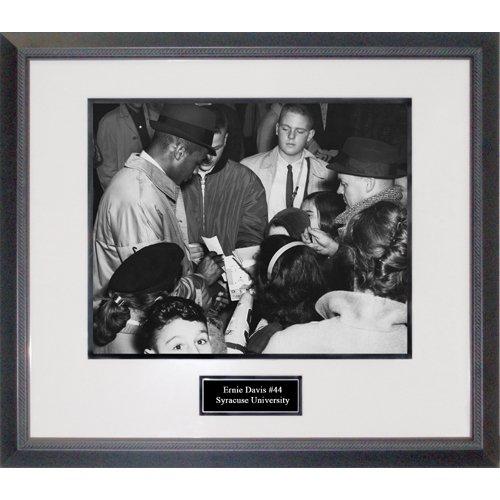 (Ernie Davis Signing Autographs Framed 16x20 Photograph)