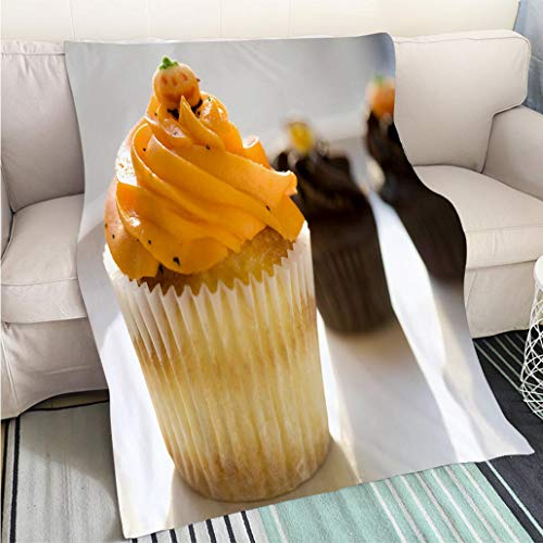 BEICICI Art Design Photos Cool Quilt Orange Vanilla and Chocolate Cupcakes for Halloween Art Blanket as Bedspread Gold White Bed or -