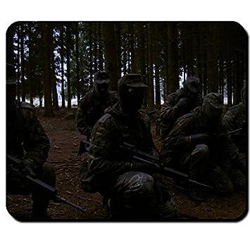 Der Gefreite Bundeswehr Soldat Rekrut Deutschland Flecktarn Uniform