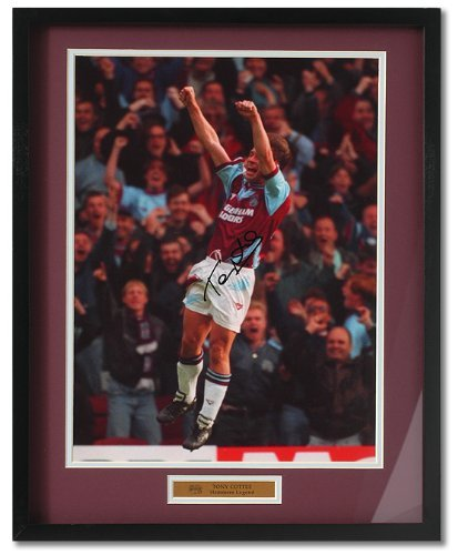 large-tony-cottee-hand-signed-west-ham-framed-photograph-pp221
