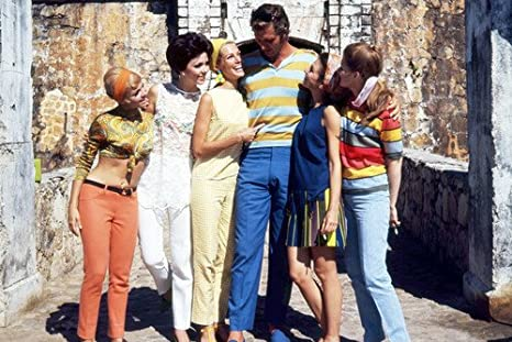 Ron Ely en Tarzán con chicas durante el viaje a Río de ...