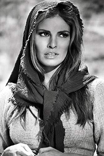100 Rifles Raquel Welch Wearing Shawl 24x18 Poster