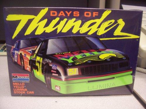 Mellow Yellow Chevy Lumina Stock Car Kit(1990)days of Thunder Series