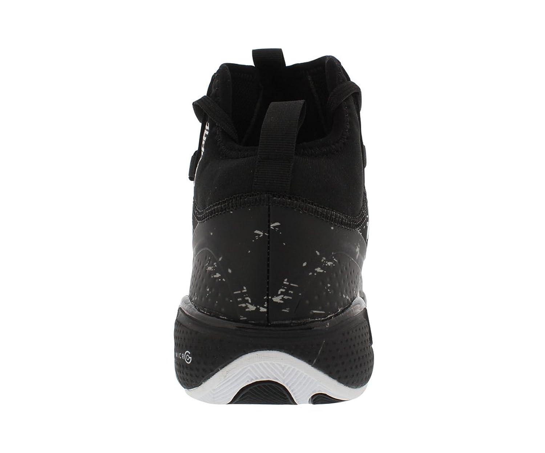 Sous Les Chaussures De Basket-ball D'armure 10,5