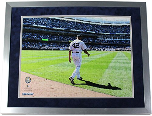 Mariano Rivera Entering Game - Mariano Rivera Unsigned/Assembled/Framed Entering the Game Color 16x20 Puzzle