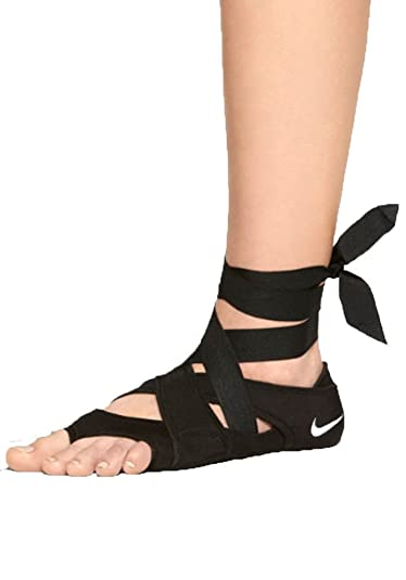f7302dcab50153 Nike WMNS Studio Wrap Pack Premium Three Part Footwear System (UK4 EUR37.5  US6.5)  Amazon.co.uk  Shoes   Bags