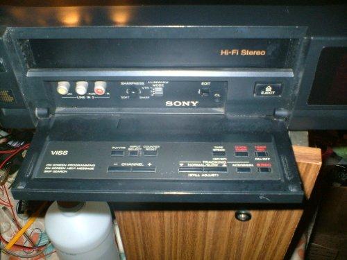 SONY DIGITAL 4 HEAD STEREO VCR HI-FI SLV-595HF W/ VCR