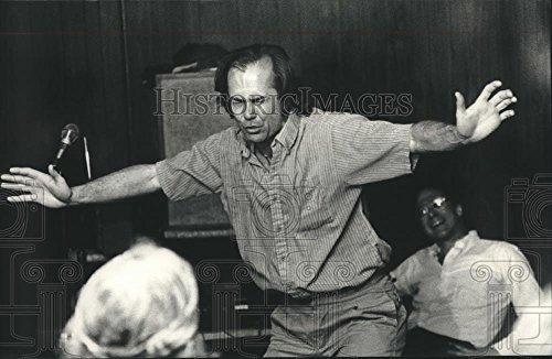 1988 Press Photo Marc Kelly Smith reciting Poem, Greater Milwaukee Poetry Slam (Best Poetry Slam Poems)