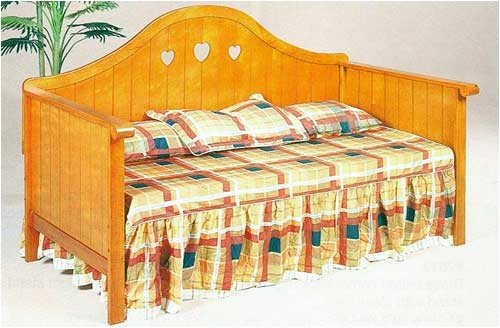 (Country Style Oak Finish Hearts Accented Wood Daybed)
