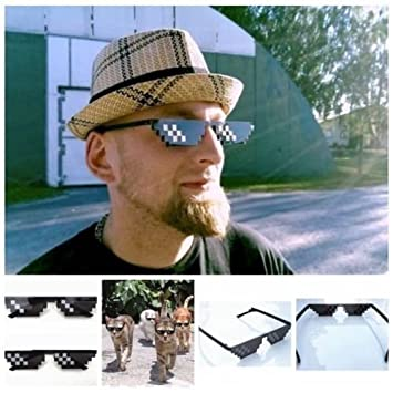 Quner Thug Life Glasses 8 bit Pixel Deal Con IT UV400 Occhiali da Sole  polarizzati Unisex 3ef7e1c266a5