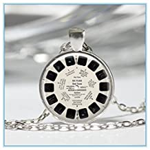 View Master Necklace Vintage Viewmaster Reel Viewfinder Eighties Fads Geek Art Pendant in Bronze or Silver with Link Chain Included