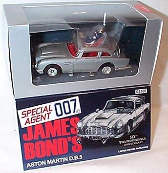 Corgi Toys James Bond Thunderball Aston Martin Db5 Silver Car With Working Features 1 43 Scale Diecast Model Amazon Co Uk Toys Games