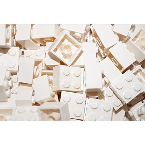 30 LEGO briques 2 x 2 en blanc