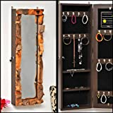 Armario joyero con espejo color marrón natural con estantes y ganchos para joyas