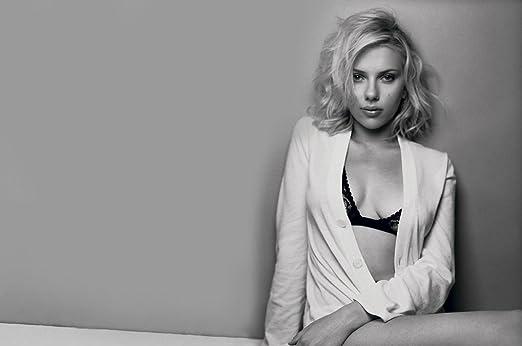005 Scarlett Johansson 21x14 Inch Silk Poster Seda Cartel