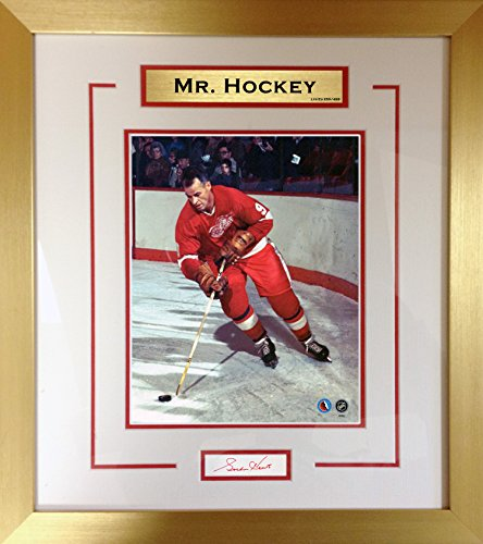 Gordie Howe 8x10 with Autograph - Ltd Ed of 499