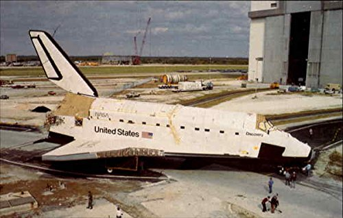Space Shuttle Discovery is towed to the Vehicle Assembly Building Original Vintage Postcard ()