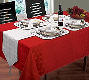 """WOVEN JACQUARD CHECK RED TABLE CLOTH 70"""" ROUND 4 SILVER NAPKINS & 4 SILVER PLACEMATS"""