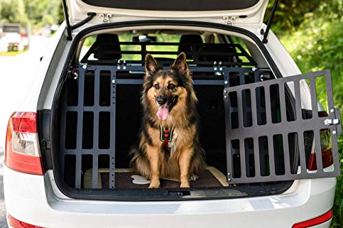 ROCKY II dog gate for cars - fits all car brands and dog breeds 1