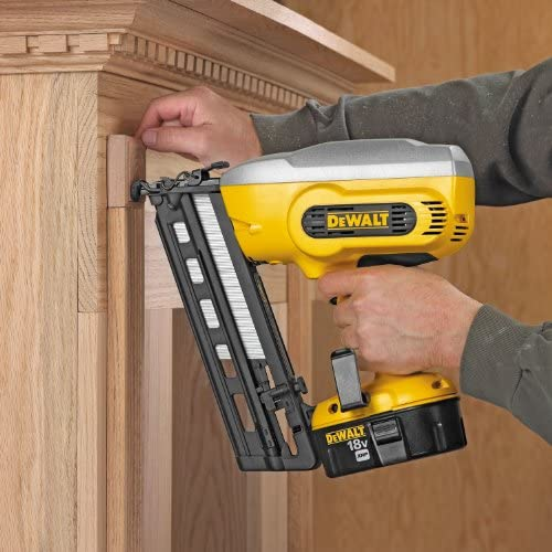 DEWALT DC618K XRP 18-Volt Cordless 1-1 4 Inch – 2-1 2 Inch 16 Gauge 20 Degree Angled Finish Nailer Kit