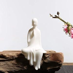 KJYHXX White Ceramic Little Monk Furniture Handmade Home Deco Creative Gift (Worship)