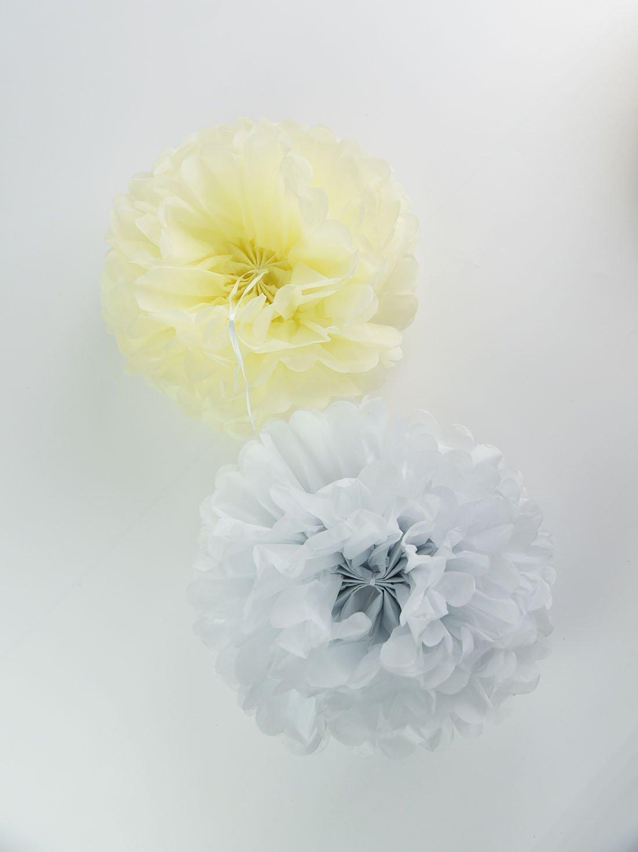 Amazon.com: Furuix 8pcs White Mixed Cream Tissue Paper Pom Pom Paper ...