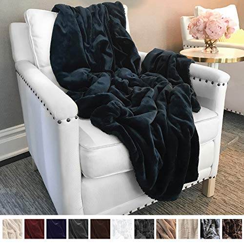 The Connecticut Home Company Ultimate Velvet with Sherpa Throw Blanket, Super Soft, Large Plush Reversible Blankets, Warm & Hypoallergenic Washable Couch/Bed Throws, Microfiber 65