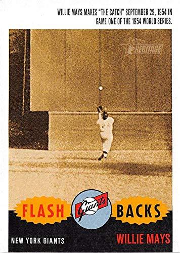 Willie Mays baseball card The Catch 1954 World Series (New York Giants) 2001 Topps Heritage #F1 Flashbacks
