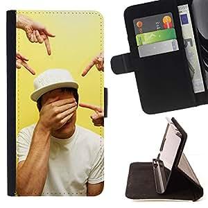 Momo Phone Case / Flip Funda de Cuero Case Cover - Señalando Ojos cerrados Arte - Samsung ALPHA G850