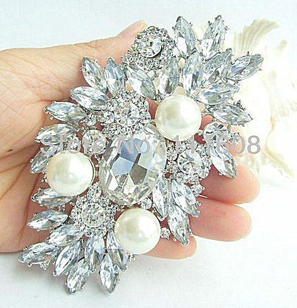 big diamond brooch corsage fashion glass pearl bride holding a large bouquet flowers accessories clothing accessories