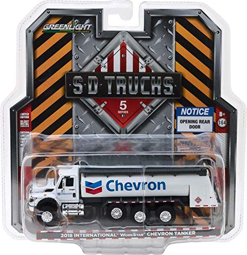 Greenlight Collectibles S.D. Trucks Series 5 2018 International Workstar Chevron Tanker