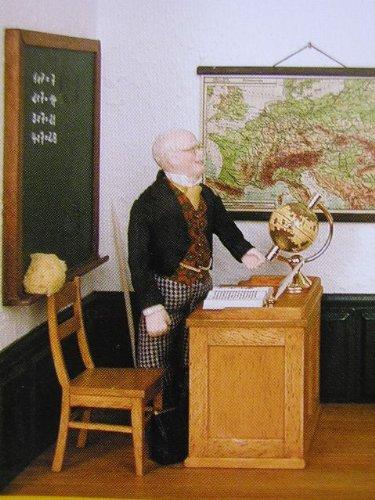 Profesor de escritorio con silla para la casa de muñecas Kit
