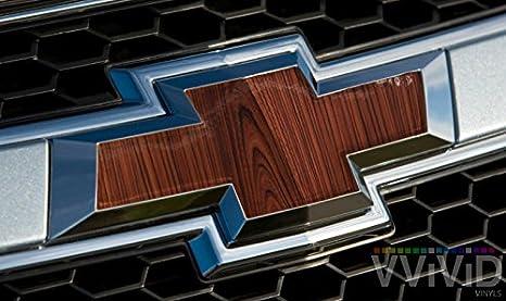 vvivid brillante rojo grano de madera de cedro Auto Emblema ...