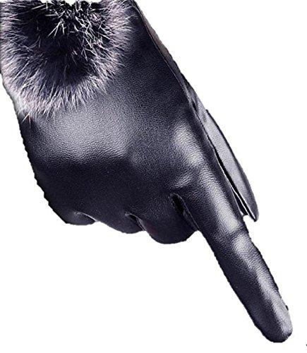 (プレクラースナ)レディース 柔軟 合皮 あったか 手袋 黒 タッチパネル 対応 ウサギ 毛玉 装飾 付き 可愛い グローブ