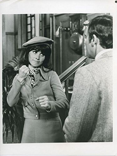 Stefanie Powers Original 7x9 TV Photo About To Throw Punch Girl from Uncle ()