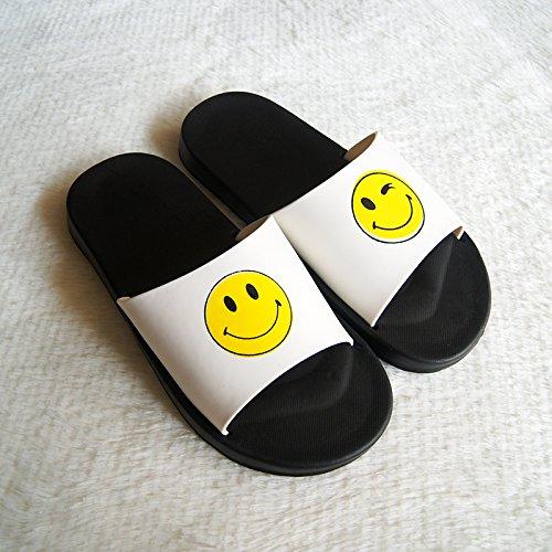 fankou Sandalias de Verano Cara Sonriente Femenino Parejas Creativas Estancia Baño Interior y Exterior Antideslizante Cartoon Estudiante Varón Cool Zapatillas,41, Blanco