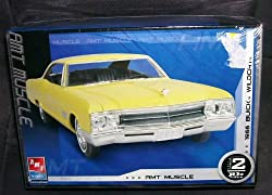 AMT Muscle 1966 Buick Wildcat Plastic Model Kit from Amt