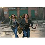 Supernatural Samantha Ferris as Ellen Harvelle Running Action Shot 8 x 10 Inch Photo