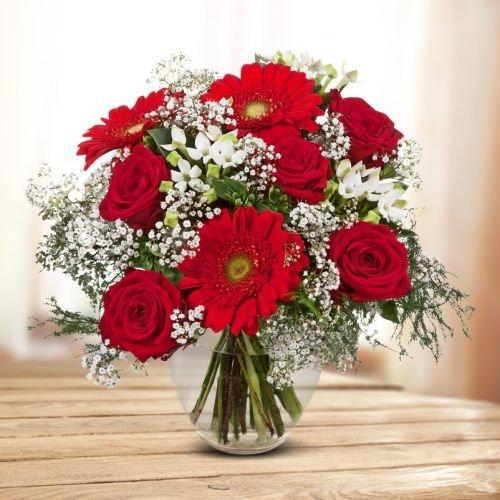 """Blumenstrauß """"Liebesüberraschung"""" - Ø 28 cm - mit roten und weißen Rosen, Germini, Bouvardien und Schleierkraut - inkl. Schnittblumenfrisch und Pflegetipps"""