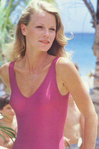 Shelley Hack height and weight