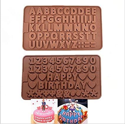 Conjunto de 2 moldes para chocolate con formas de letras y números.
