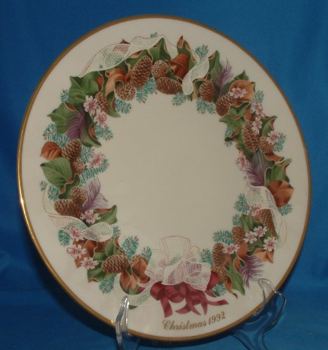 1992 Christmas Plate (Lenox 1992 Colonial Christmas Wreath Plate, North Carolina, The Twelfth Colony)
