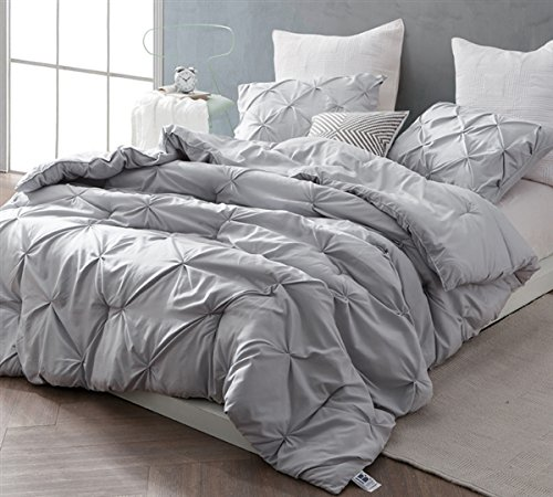 Byourbed BYB Glacier Gray Pin Tuck King Comforter (Pin Tuck Bedding)